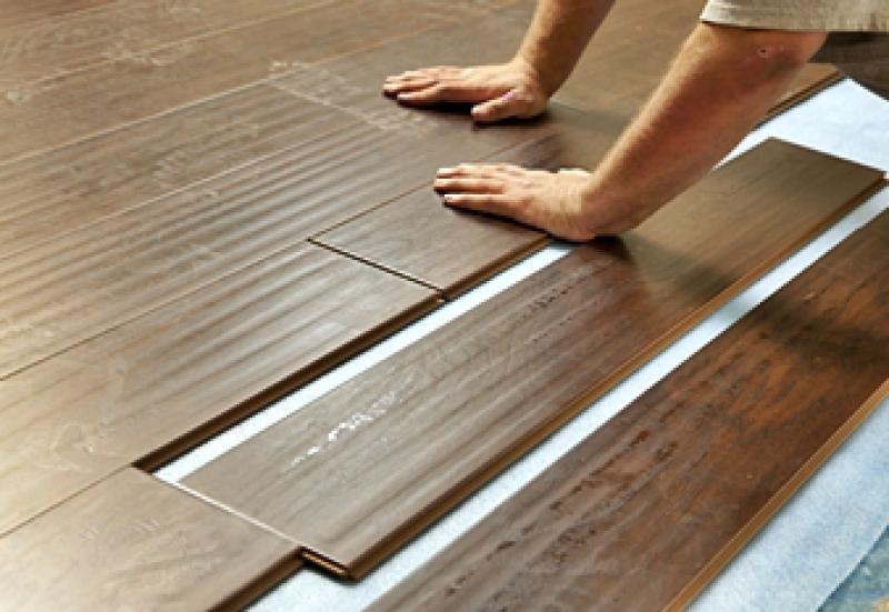 Interlocking plank floor installation